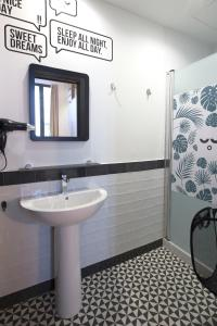 A bathroom at For You Hostel Sevilla