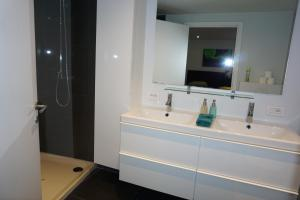 A bathroom at Apartment At Ghent