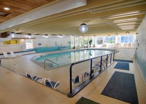 The swimming pool at or near Potawatomi Inn & Cabins