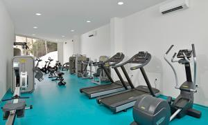 The fitness center and/or fitness facilities at INNSiDE by Meliá Fuerteventura – Adults Only