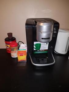 Coffee and tea-making facilities at ALPINE COMFORT - FREE BKFST 5 Min to Golf & Ski