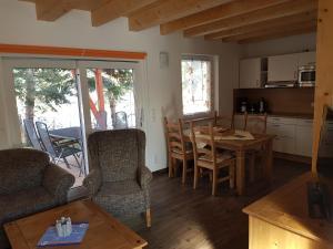Ein Sitzbereich in der Unterkunft Ferienhof Radlerslust