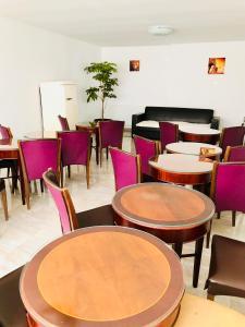 Un restaurant sau alt loc unde se poate mânca la Hotel EKA