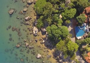Uma vista aérea de Porto Pacuíba Hotel