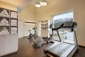 Das Fitnesscenter und/oder die Fitnesseinrichtungen in der Unterkunft Ramada Innsbruck Tivoli