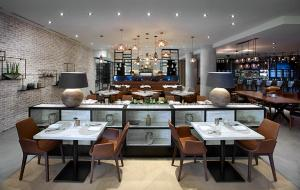 A restaurant or other place to eat at Hilton Garden Inn Toronto Airport