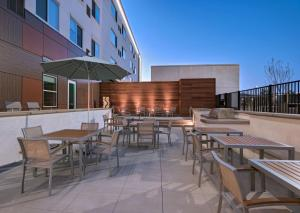 A restaurant or other place to eat at Element Palmdale