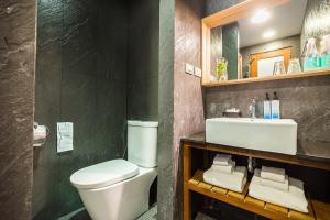 A bathroom at Casa De Mar - SHA Plus