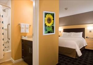 A bathroom at TownePlace Suites by Marriott Dodge City