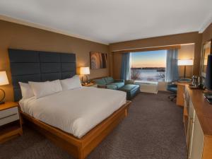 Cama o camas de una habitación en DoubleTree by Hilton Hotel Niagara Falls New York
