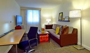 A seating area at Residence Inn by Marriott Salt Lake City Downtown