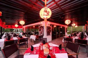 A restaurant or other place to eat at Arum Barut Collection - Ultra All Inclusive