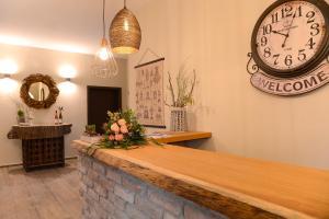 The lobby or reception area at Vinotel Dollt-Kern