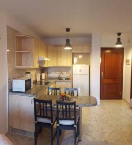 A kitchen or kitchenette at El Hierro