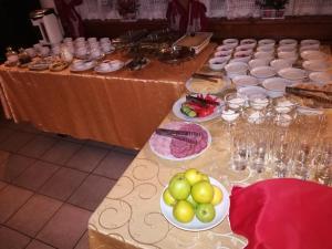 Еда / где поесть недалеко от мини-гостиницы