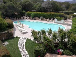 Vista sulla piscina di Green Park Hotel o su una piscina nei dintorni