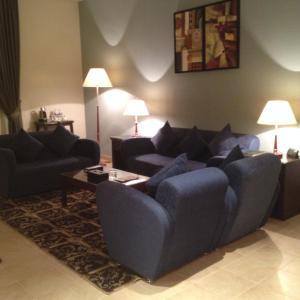 منطقة جلوس في فندق التنفيذيين - العزيزية