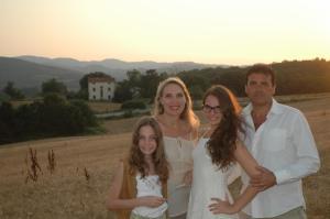 Famiglia che soggiorna presso Agriturismo Il Sasso