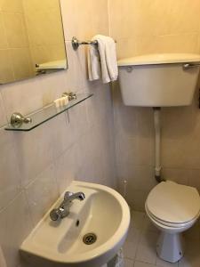 A bathroom at Seven Dials Hotel