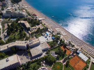 Vaade majutusasutusele Hotel Montenegro linnulennult