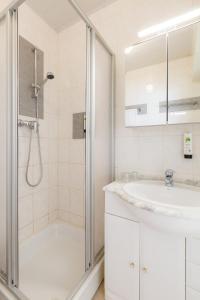 A bathroom at Hotel Franky