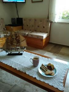 Η κουζίνα ή μικρή κουζίνα στο Drosia Hotel
