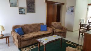 A seating area at Chariandry Court
