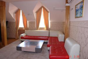 A seating area at Pallada