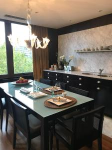 A kitchen or kitchenette at Luxury Residence