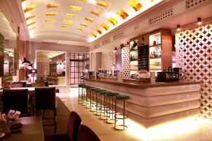 El salón o zona de bar de Hotel Santo Domingo