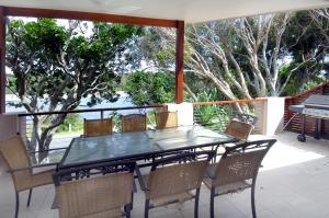A balcony or terrace at Wooli Holiday Units
