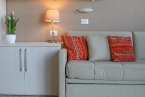 A seating area at Residence Sabrina