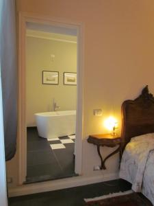 Een badkamer bij L'Approdo di Sant'Agostino