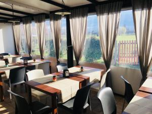 A restaurant or other place to eat at Carpe Diem Countryhouse