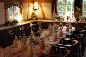 A restaurant or other place to eat at Stelinger Hof Hotel Münkel