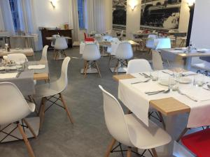 A restaurant or other place to eat at Hotel Internazionale Luino