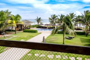 Uma vista da piscina em Villa da Praia Hotel ou nos arredores