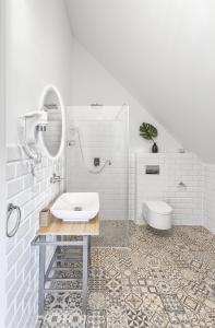 A bathroom at Dom Restauracyjny Rusiborek