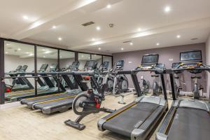 The fitness center and/or fitness facilities at Grand Jersey Hotel and Spa