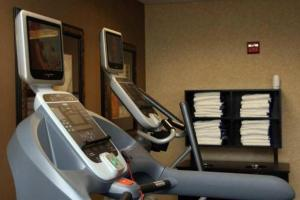 The fitness center and/or fitness facilities at Hampton Inn & Suites Orlando-John Young Parkway/South Park