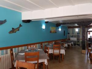 A restaurant or other place to eat at Pension Amarantos
