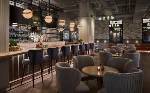 A restaurant or other place to eat at Hotel Zachary, Chicago, a Tribute Portfolio Hotel