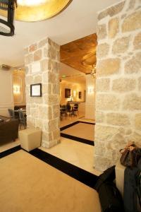 The lobby or reception area at Hotel De Monaco