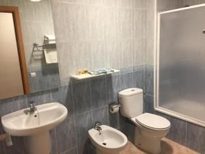 Un baño de Hotel Mediterrani Blau