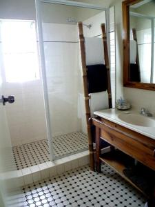A bathroom at Coconut Palms On The Bay