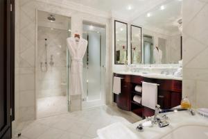A bathroom at Castlemartyr Resort Hotel