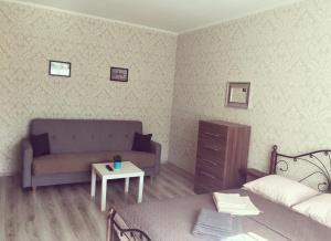 A seating area at Apartment u Kafedralnogo Sobora