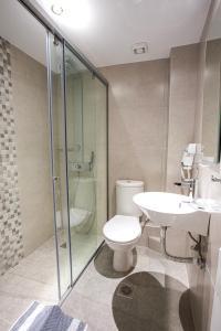 A bathroom at Emilia Hotel Apartments