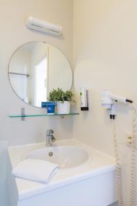 A bathroom at Aparthotel Blankenberge