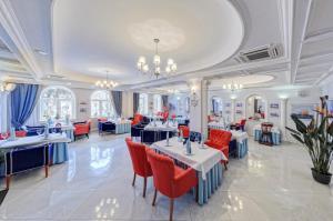 Ресторан / где поесть в Бристоль Спа Отель